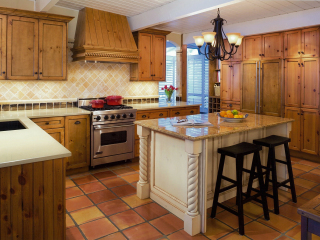 Traditional English Pine Kitchen